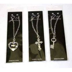 Collier avec pendentif vendu par 12 Jouets et articles kermesse 6451-LOT